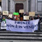 Flash mob in piazza Santa Croce a Firenze