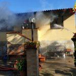 livorno_incendio_via_limoncino_2019_04_15___1
