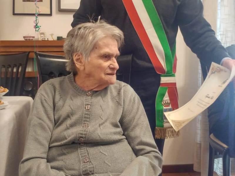 nella_tognetti_mori_franco_vicesindaco_centenaria