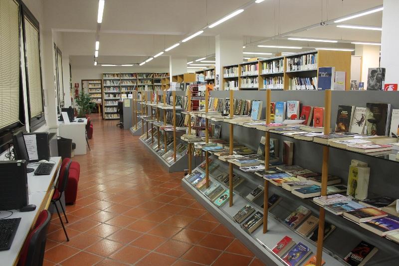 Lavori in biblioteca, a Certaldo i libri si leggono ai Macelli