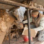 Il Grande Restauro delle Rampe_Appicazione calce per restauro arco grotta 2¯livello_Foto George Tatge