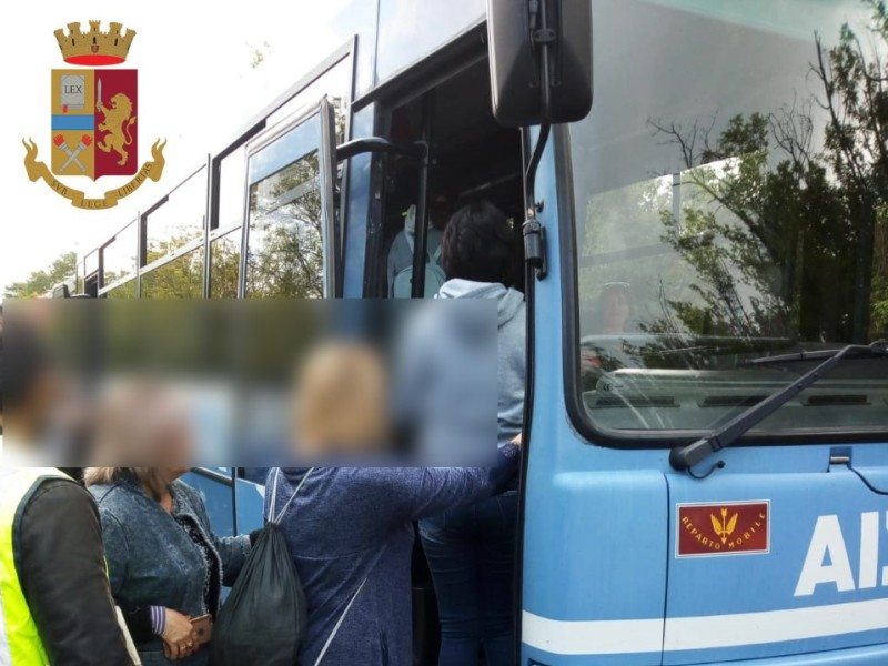 Morte sull'Autopalio, arrestato autista 35enne: manovra errata per distrazione