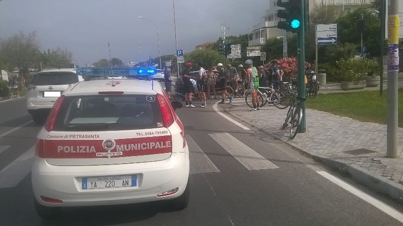 incidente_marina_pietrasanta_ciclista_2019_06_15___1