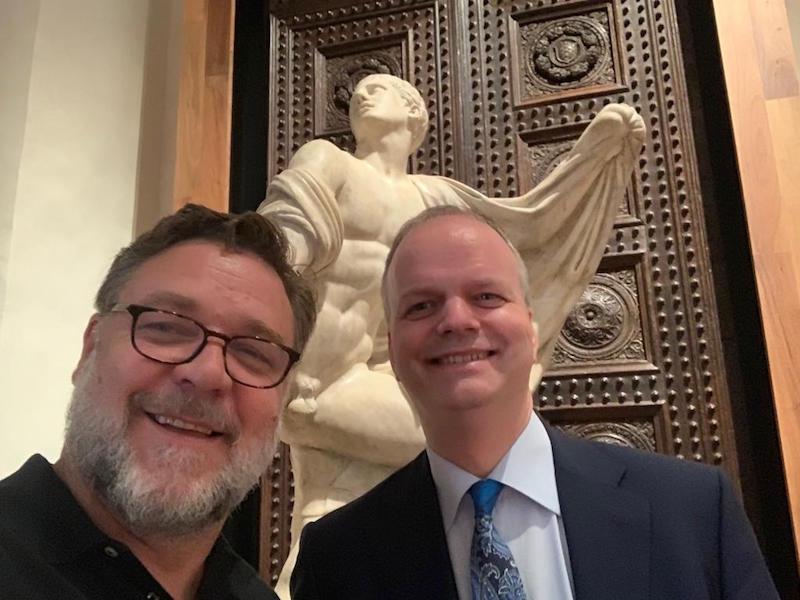 Russell Crowe A Firenze Il Premio Oscar Visita Gli Uffizi Gonews It