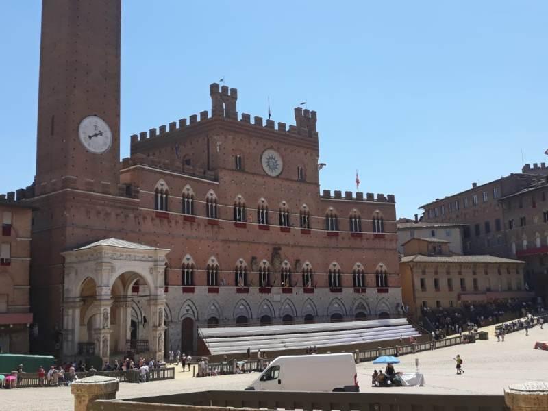 Palazzo Pubblico a Siena (foto gonews.it)