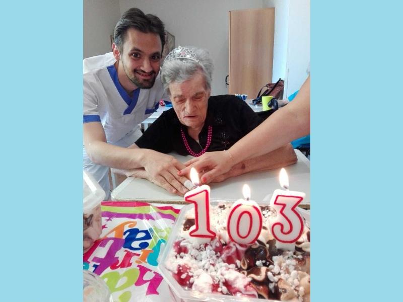 RSA Prato - nonna azzurr 103 anni