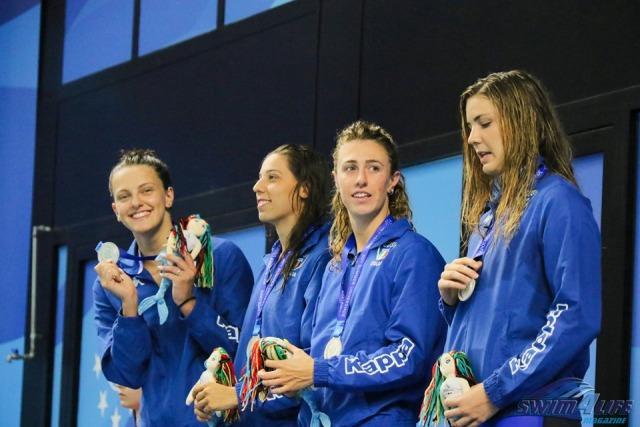 Linda Caponi è la seconda da sinistra