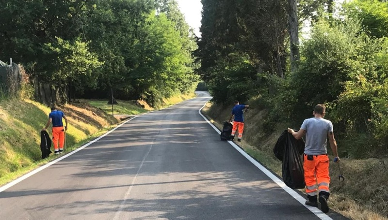 Le strade statali di Fucecchio ora 'splendono': 2 tonnellate di rifiuti rimosse in due settimane