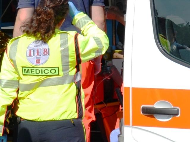 ambulanza_generica_118_soccorso_118_incidente_gonews_it_medico_09