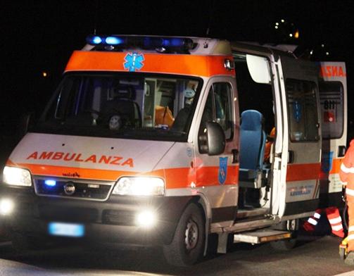Scontro tra auto e moto nella notte: muore chef di 44 anni