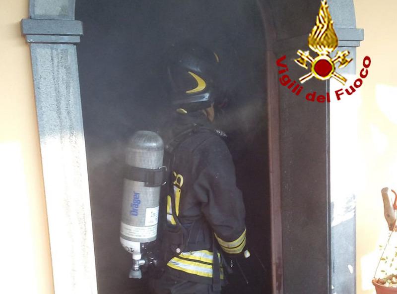 Paura a Massa: appartamento in fiamme, in ospedale anche due bambini