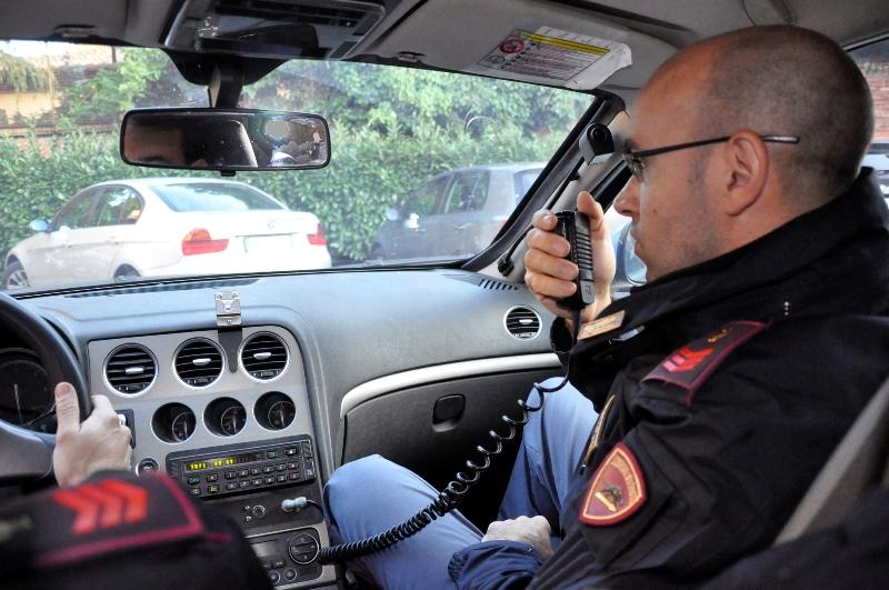 polizia_generica_volante_auto-