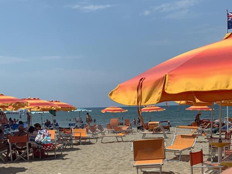 spiaggia_viareggio_mare_generica_bagno_litorale_2019_08_07