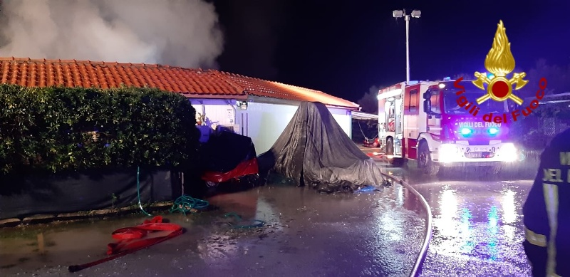 Vigili_del_Fuoco_Incendio_Stabilimento_Balneare_Viareggio__
