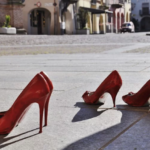 violenza-donne-scarpe-rosse-768x467