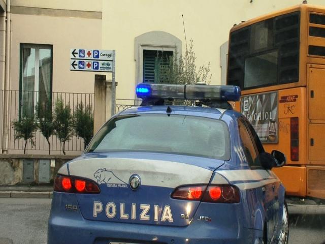 Borseggiatori alle Poste, arrestata coppia fuggita col bus