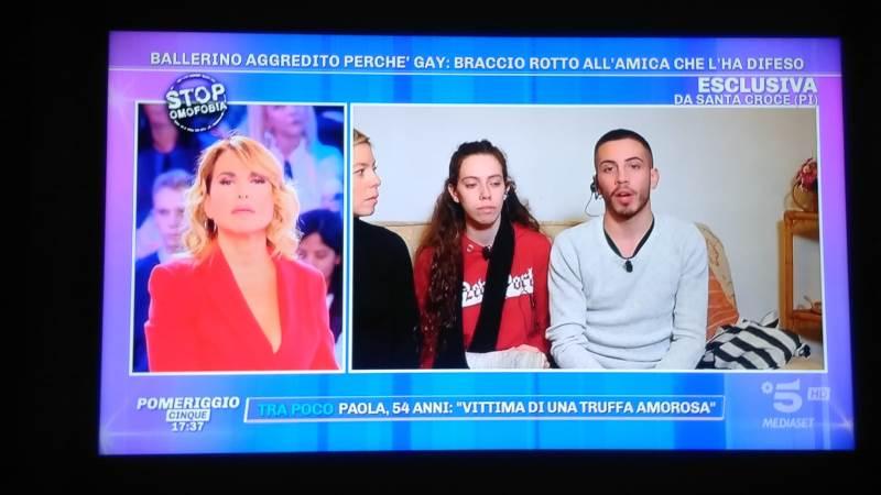 """Aggressione omofoba a Altopascio, la vittima a Pomeriggio 5: """"Ecco come è andata"""""""