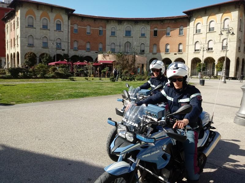 Irregolari a Pisa e in zona stazione: controlli della polizia