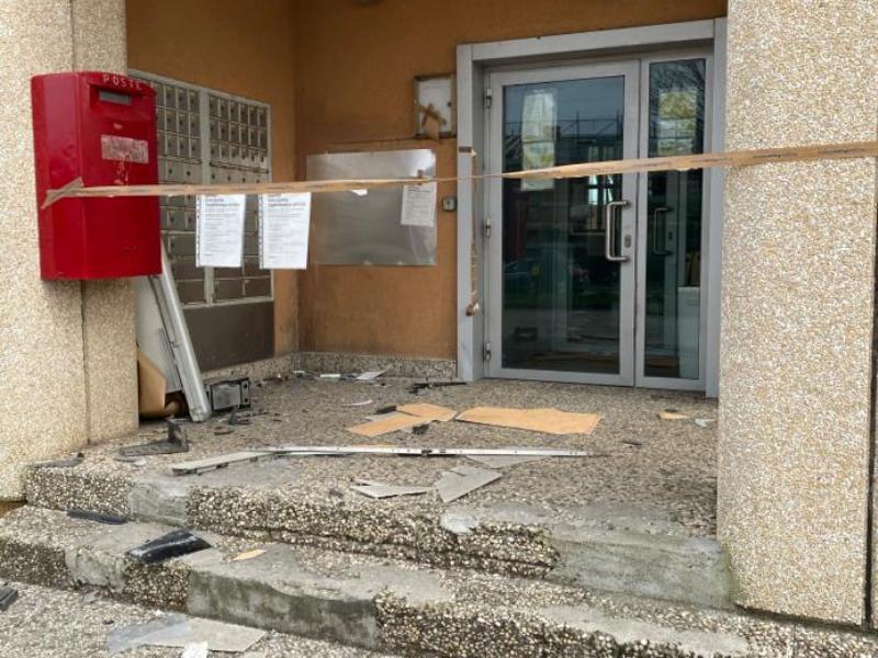 Colpaccio alle Poste di San Miniato Basso: bancomat fatto esplodere