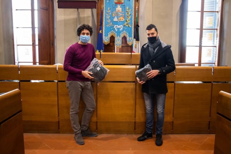 Due cittadini empolesi donano 400 mascherine