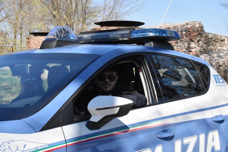 Condannato per omicidio evade dai domiciliari e rapina la ex fidanzata: arrestato