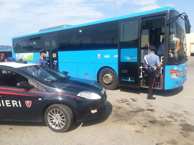 Spaccia metadone sul bus, arrestato 27enne