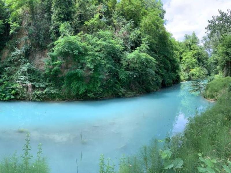 Passi da Principiante, Sentierelsa e l'azzurro unico delle sue acque
