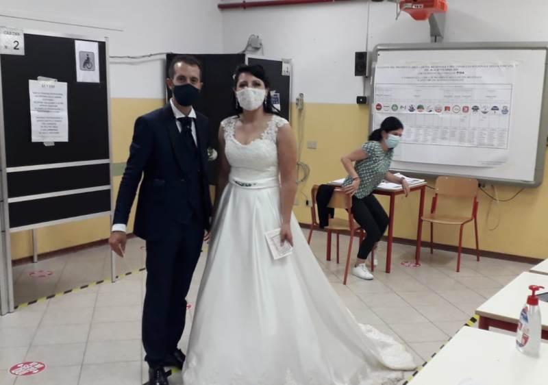 Prima il matrimonio, poi le elezioni: a Staffoli c'è chi vota con l'abito nuziale