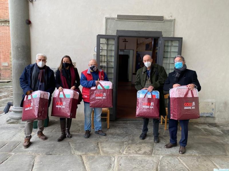 Emergenza freddo a Firenze, coperte per i senza dimora da ...