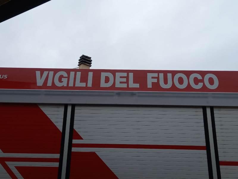 Voragine improvvisa nella pista ciclabile a Lucca: nessuna persona coinvolta