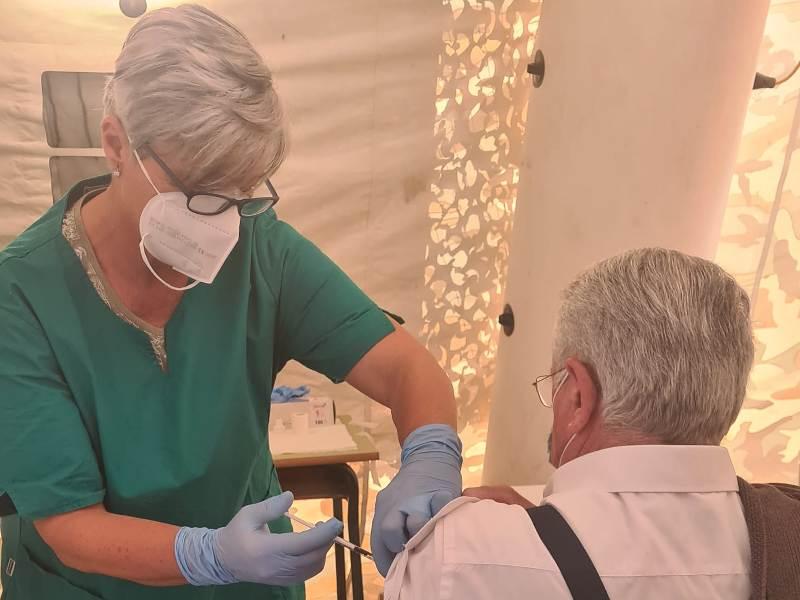 Vaccini: si aprono oggi le agende alle persone nate fino al 1961