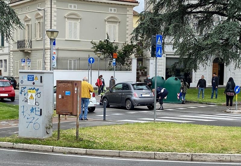 Auto ribaltata e ciclista investito, due incidenti a Empoli