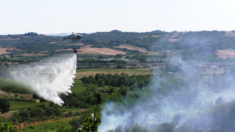 elicottero incendio generica