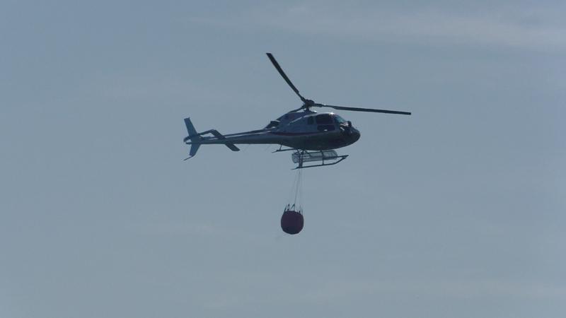 Incendio a Campo nell'Elba, arriva l'elicottero regionale