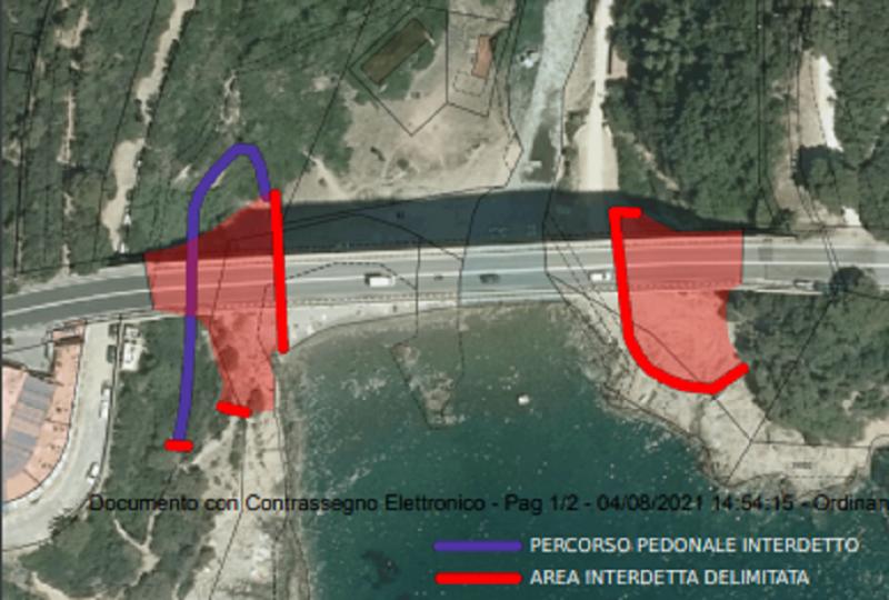 Intonaco cade dal ponte di Calignaia, interdetti due tratti di spiaggia