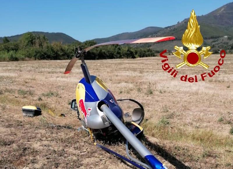 Tenta atterraggio di emergenza, incidente con l'elicottero nel Pisano