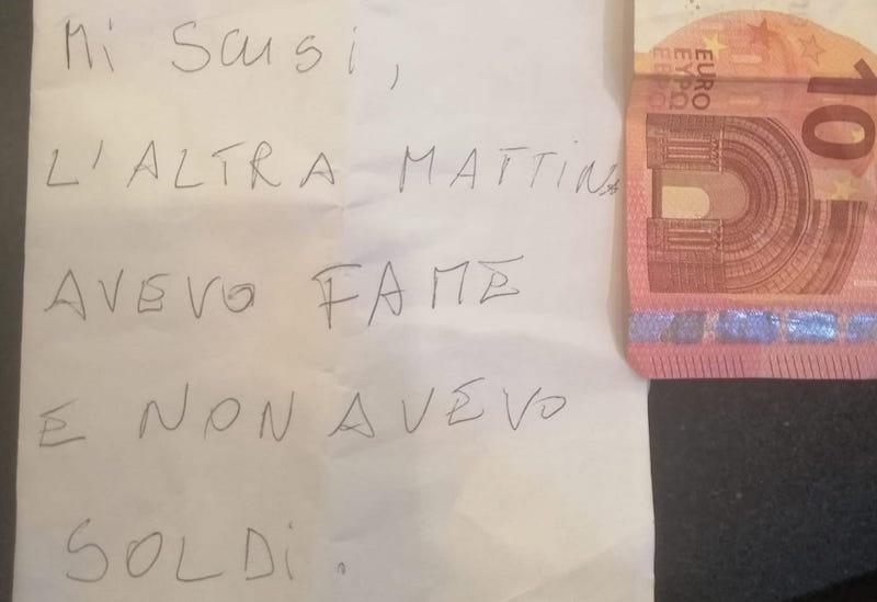 """Ruba paste, poi si scusa con dieci euro: """"Avevo fame"""""""